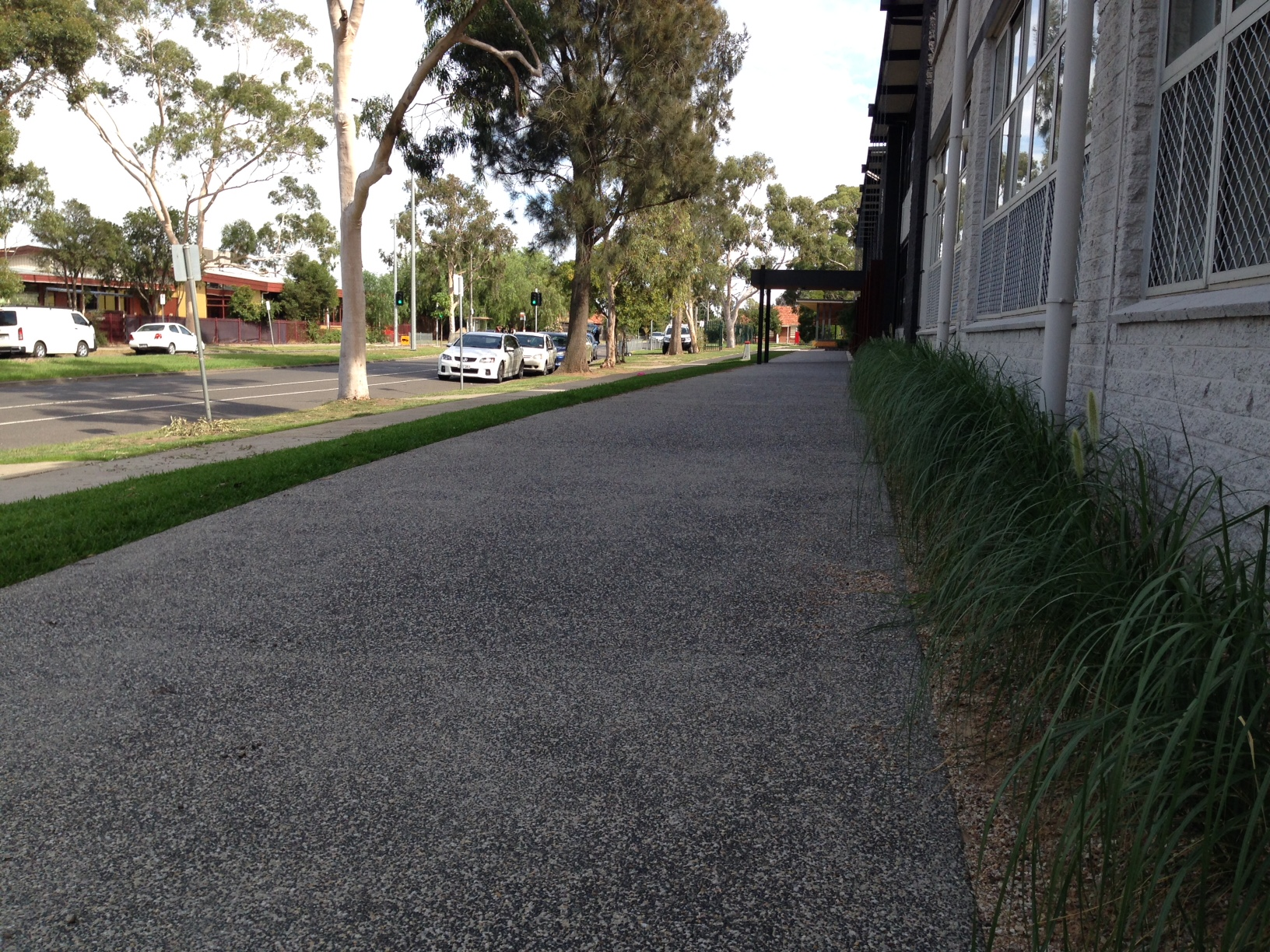 Barwarre Gardens Geelong landscape gardening paving and concreting
